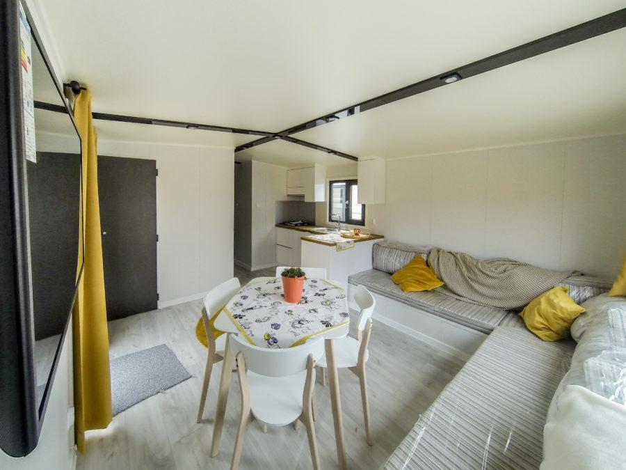 Co zawiera wersja standard domu Europa Campers?